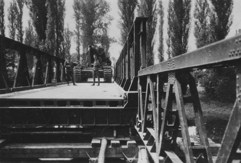 German captured KV-2 bridge weight test