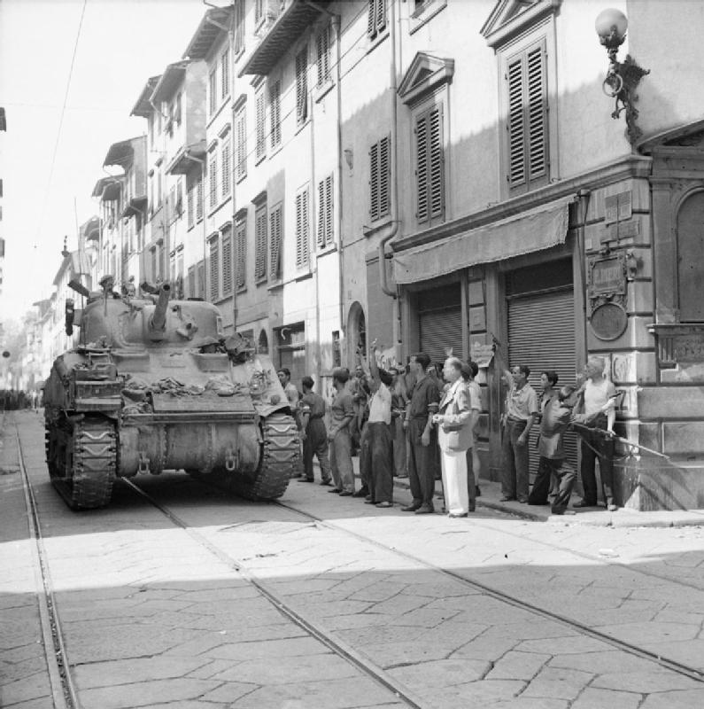 Sherman tank enters Florence